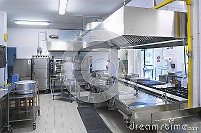 Una cocina de un restaurante foto de archivo imagen for Cocina de restaurante