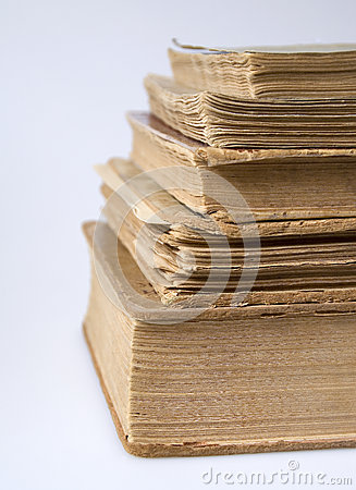 Una pila di libri dell annata