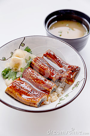 Free Unadon Japanese Rice Bowl Topping With Grilled Japanese Freshwater Eel With Teriyaki Sauce Served With Prickled Ginger Stock Photo - 84515190