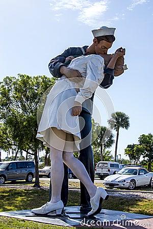 Free Unconditional Surrender Statue, Sarasota Stock Photo - 35329760