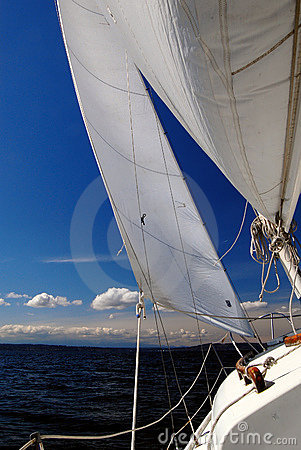 Under sail - starboard tack looking forward