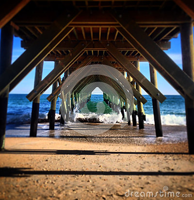 Free Under The Crystal Pier Royalty Free Stock Photos - 92848688