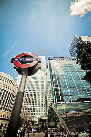 Free Underground Sign And Entrance, Canary Wharf Royalty Free Stock Photography - 19826167