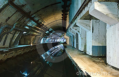 Underground submarine base