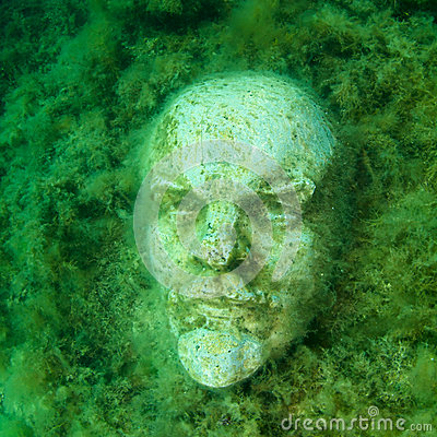 Underwater bust of Lenin