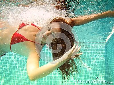 Underwater swim