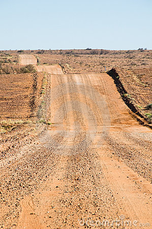 Undulating gravel road, Oodnadatta Track