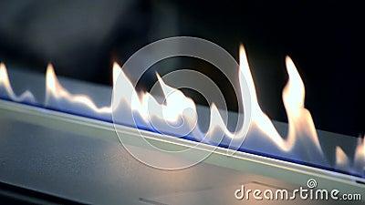 Une br?lure de Biofireplace sur le gaz d'?thanol banque de vidéos