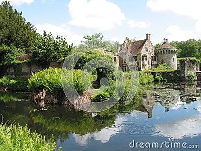 Une maison de campagne anglaise photographie stock image for Une maison de campagne