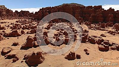 Unglücksboten im Kobold-Tal-Nationalpark, Utah, Vereinigte Staaten Wüste Unglücksbotefelsen gelegen an der San- Rafaelwüste Schat stock footage