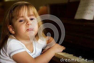 Unhappy piano player 1