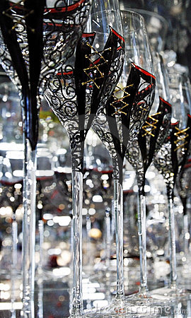 Unique wine glasses set