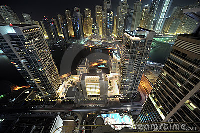 United Arab Emirates: Skyline de Dubai na noite