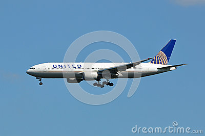 United Boeing 777 Landing Editorial Photography