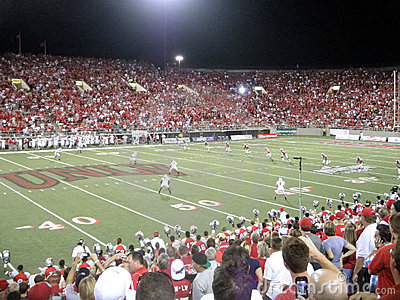UNLV kick off ball to Wisconsin Editorial Stock Photo