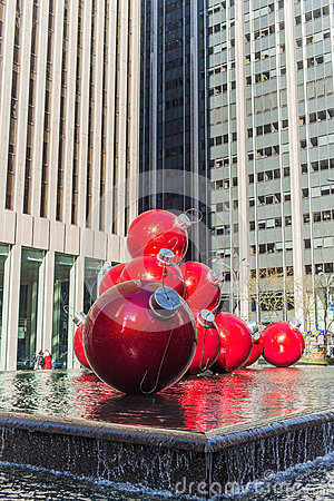 Unusual art to the streets of New York a clear day Editorial Stock Image