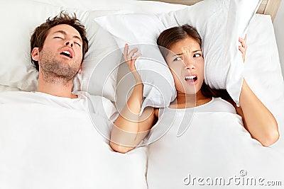 Uomo russante - coppia in base