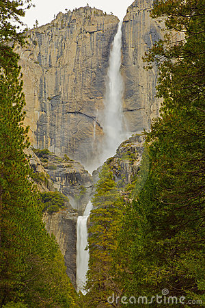 Free Upper And Lower Yosemite Falls Stock Images - 19202504