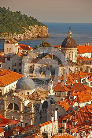 Free Upper View Of Dubrovnik Old Town With Adriatic Sea In The Background Stock Image - 129954411