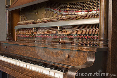 Upright Piano_8079-1S