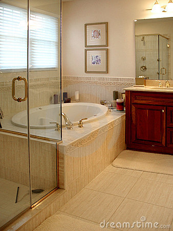 Free Upscale Master Bath Stock Photos - 2635723
