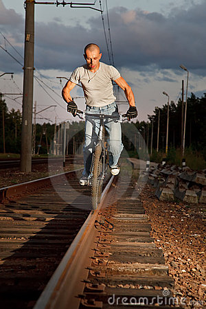 Free Urban Freestyle Tial Rider Royalty Free Stock Photography - 10857977