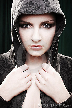 Free Urban/Modern Model Beauty Shot Stock Image - 9170171