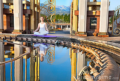 Urban Yoga meditation in lotus pose