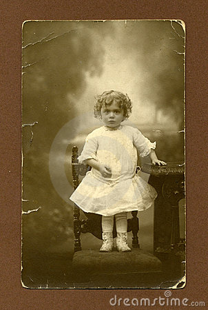 Ursprüngliches antikes Foto - junges Mädchen