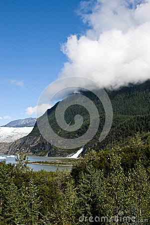 USA Alaska - Mendenhall Glacier and Lake