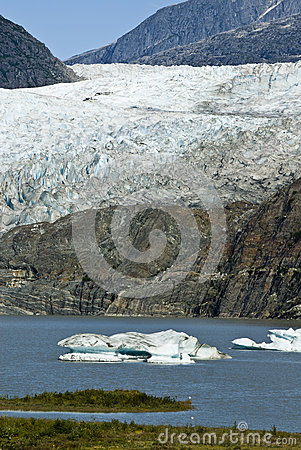 USA Alaska - Mendenhall Glacier and Lake