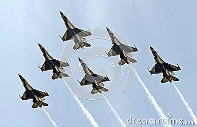 USAF Thunderbirds in a delta formation