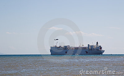 USNS Mercy awaiting pick up from heli Editorial Photography