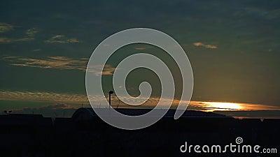 Vídeo hermoso del lapso de la salida del sol a tiempo almacen de metraje de vídeo
