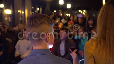 ?v?nement d'?ducation - pr?sentant ? quelque chose le groupe d'enfants ? l'?v?nement ?ducatif Kiev, Ukraine 10 05 2019 banque de vidéos