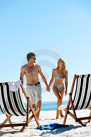 Vacation couple walking royalty free stock images image for Tropical vacations for couples