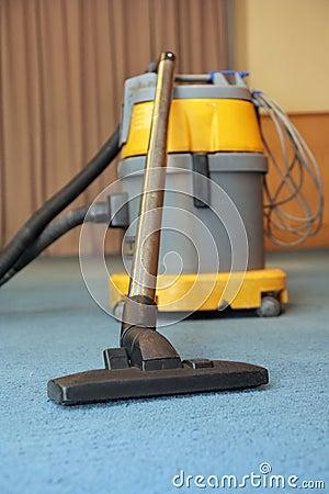 Vacuum machine on carpet
