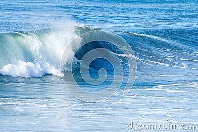 Vague déferlante et ondes d océan