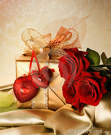 Free Valentines Day Present Royalty Free Stock Images - 12353919