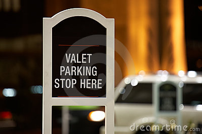Valet parking - stop here sign