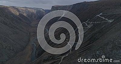 Valle in autunno, Altai, Russia di Chulyshmanskaya archivi video