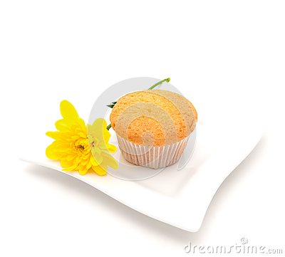 Vanilla cake  and a yellow camomile