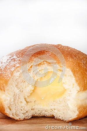 Free Vanilla Cream In Donut Stock Images - 55347374