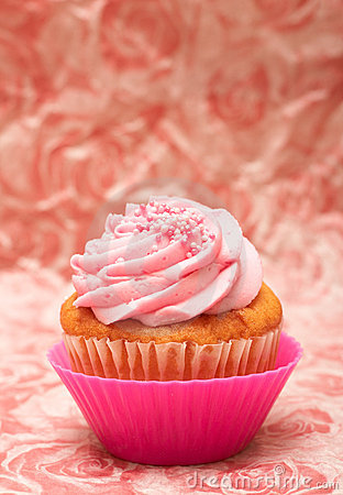 Vanilla cupcake with strawberry icing