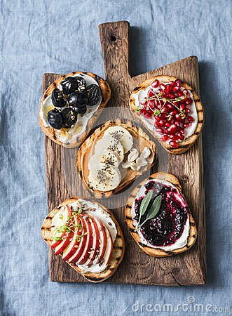 Free Variety Grilled Bread Dessert Sandwiches With Cream Cheese And Apple, Pomegranate, Jam, Grapes, Peanut Butter, Banana, Flax Seed, Stock Images - 106013634