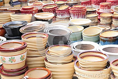 The various ceramic pots