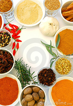 Various ground and whole spice