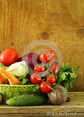 Free Various Vegetables (carrots, Potatoes, Cabbage, Tomatoes) Royalty Free Stock Photography - 53100347