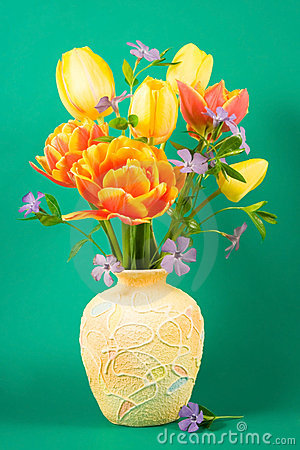Free Vase With Bouquet Stock Image - 5331131