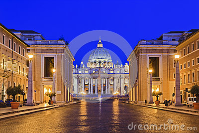 Vatican Basilica 03 rise